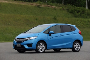 001-2015-honda-fit-hybrid