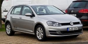 VW_Golf_1.6_TDI_BlueMotion_Technology_Comfortline_(VII)_–_Frontansicht,_31._Dezember_2012,_Düsseldorf